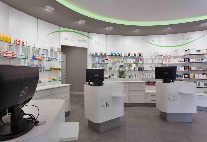 Mostradores corporativos de una farmacia