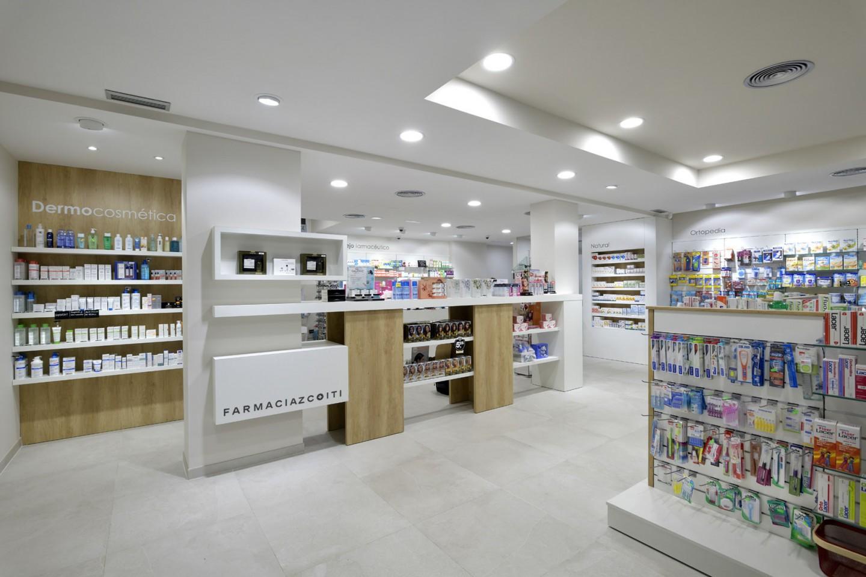 Estanterías de productos farmacéuticos